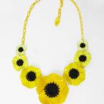 collier fleur anemone jaune